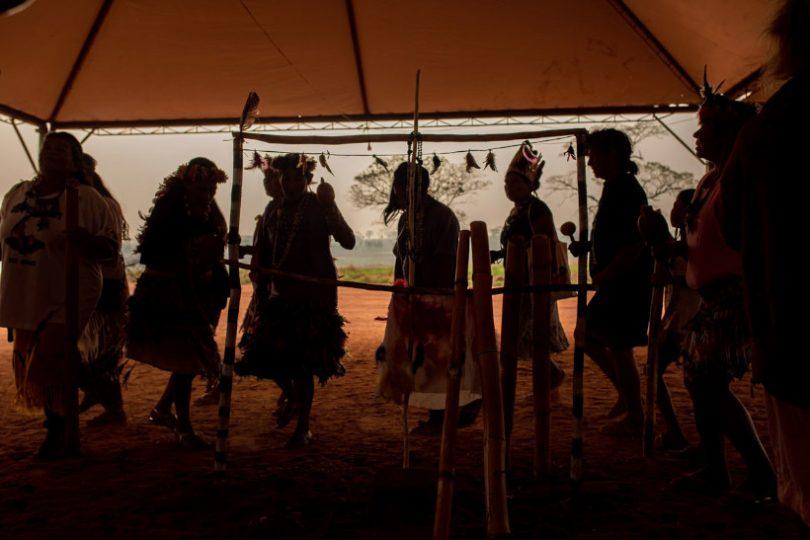 indígenas COVID-19 frigoríficos