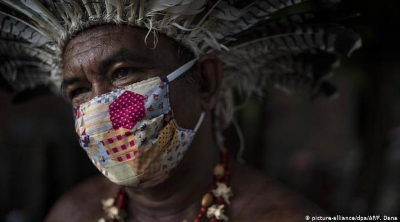 Damares contra indígenas