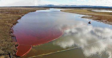 vazamento óleo Rússia