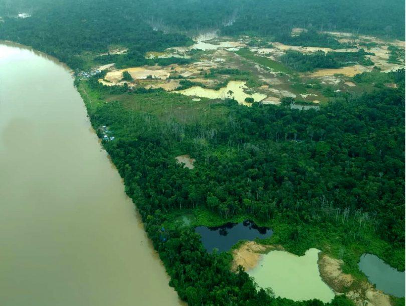 Yanomamis ataque armado garimpeiros
