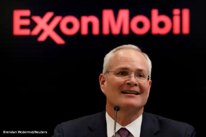exxon mobil board ativista
