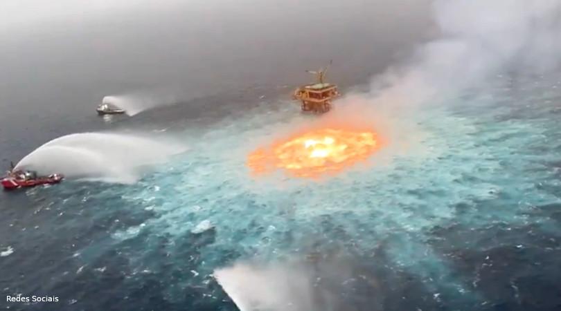 incêndio no mar