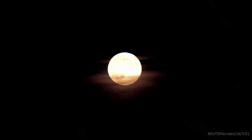 órbita lunar elevação dos oceanos